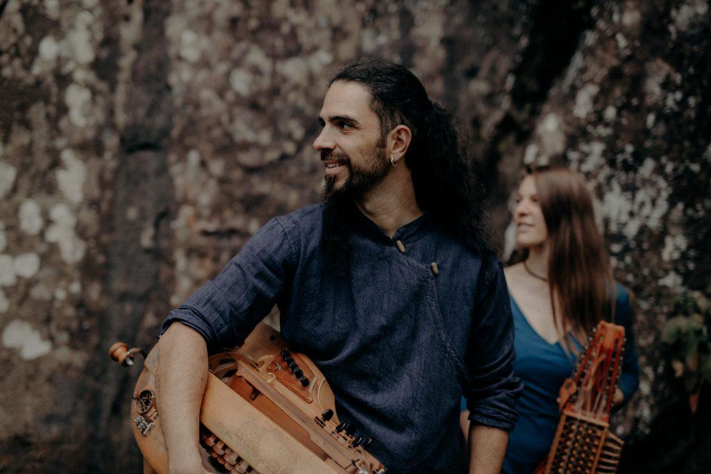 © Claire Huteau 2021 -Vóden - Musique de Scandinavie et des Balkans- nyckelharpa, vielle à roue